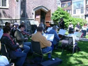 Fiddlers outside Emmanuel Howard Park United Church